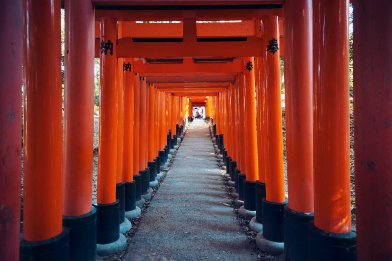 Travel Photography By Anastasia Vervueren Japan Kyoto Temple Fushimi Inari Taisha