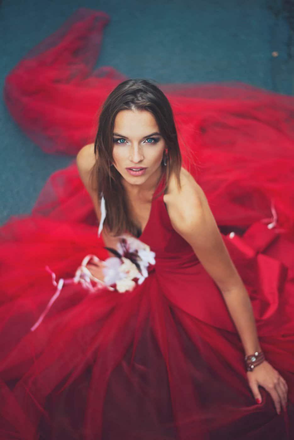 Portrait Photography By Anastasia Vervueren Red Dress Kryzalidea