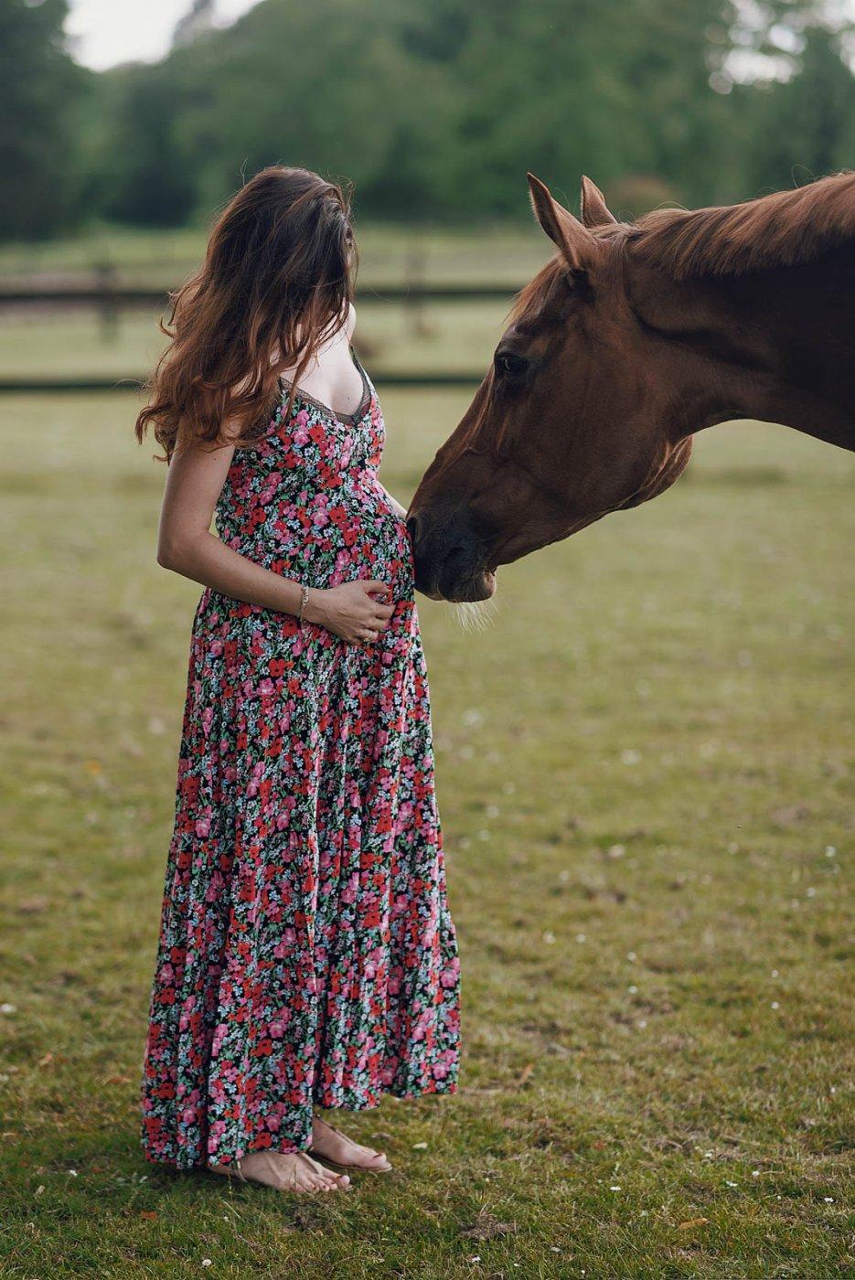 Pregnancy Photography By Anastasia Vervueren Horse Grossesse